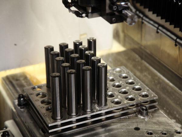 Rettifica-industriale-metallo-duro-Forli